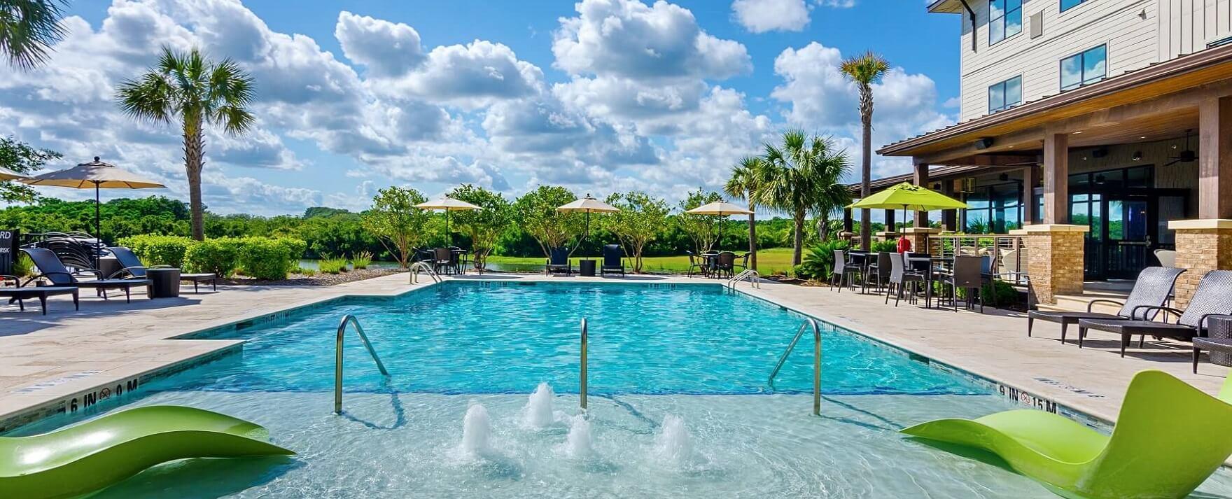 Andell Inn Pool